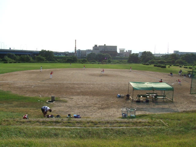 神戸・ポドルスキ「スポーツ紙の1面がなぜサッカーでないのか。野球との差はまだかなり大きい。その差を埋めていかなければならない」  [452836546]->画像>9枚